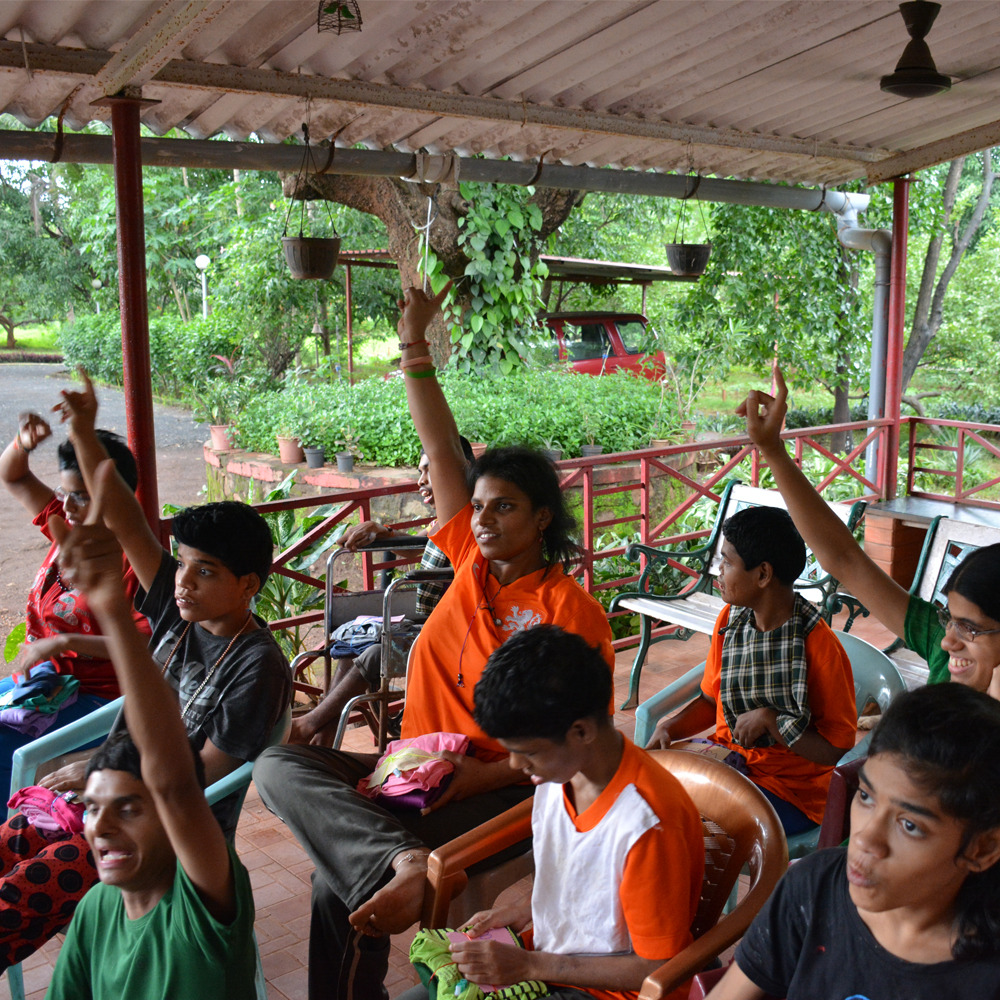 special-needs-residents-participate-in-a-learning-session-vision-of-umang-wwti-karjat