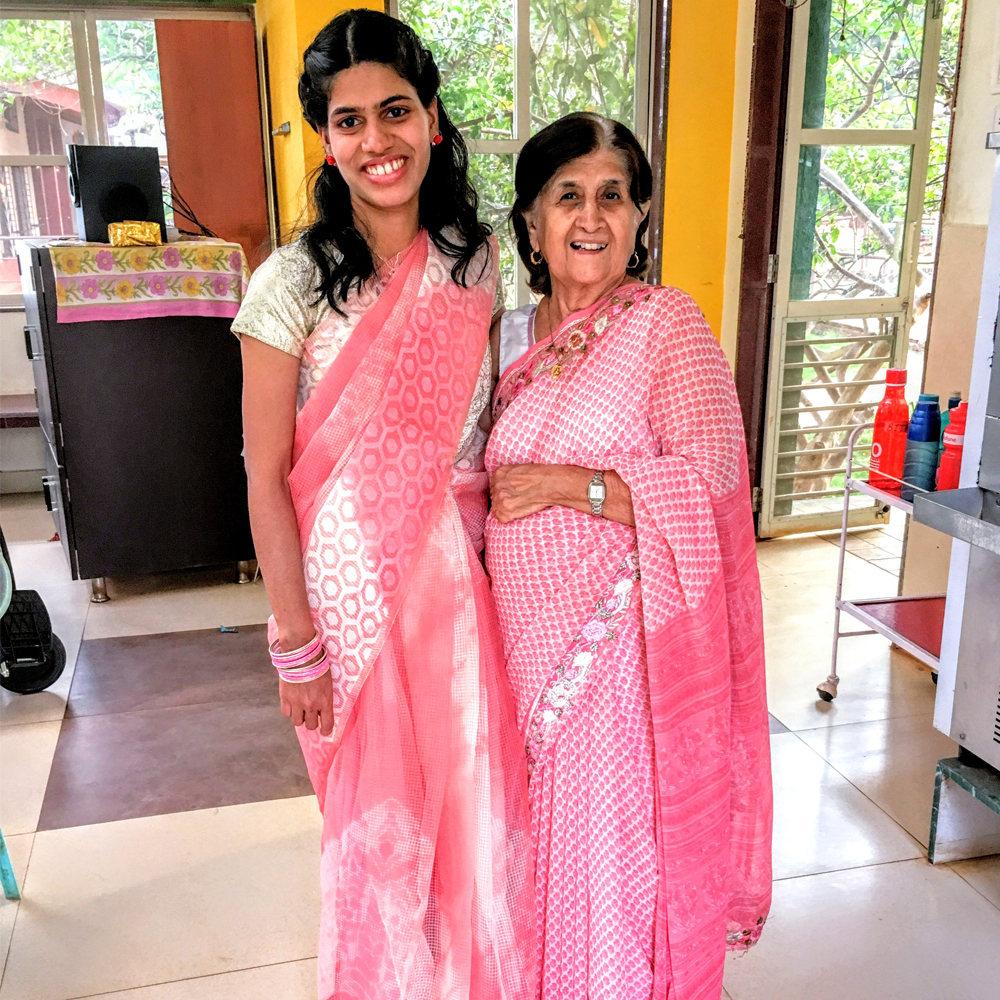 sulochana-kalro-with-pooja-founder-of-umang-wwti-karjat-1